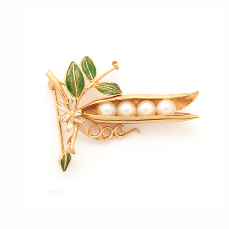 Peapod brooch