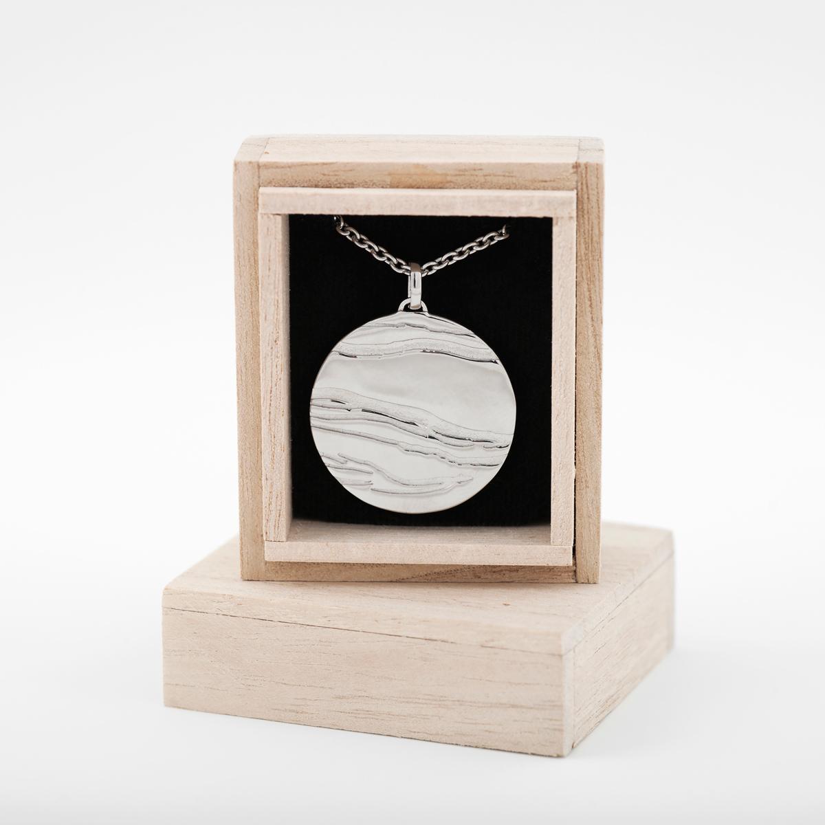 The Scream silver necklace