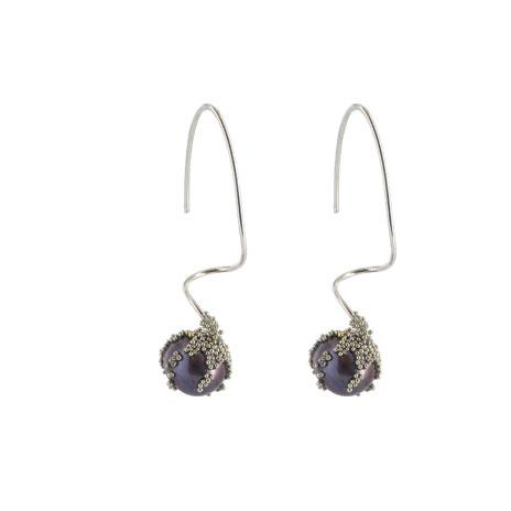 Black pearl berries earrings