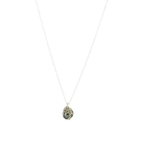 Black pearl berries necklace
