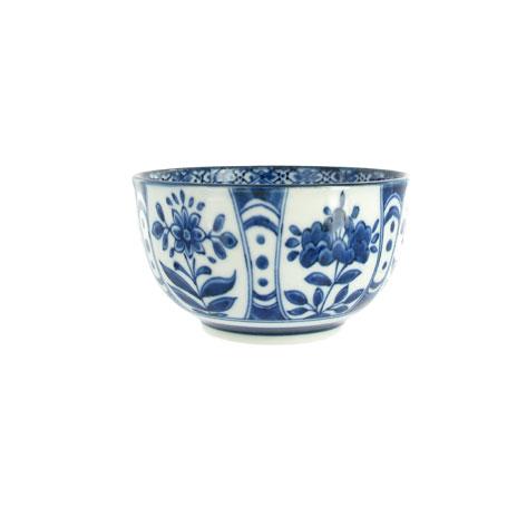 Blue and white Iwagiku bowl