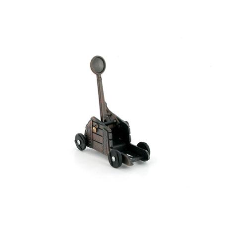 Catapult pencil sharpener