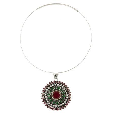 Circlet pendant necklace (red & green quartz)