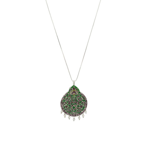 Green and pearl pendant necklace