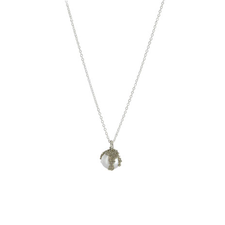 White pearl berries necklace