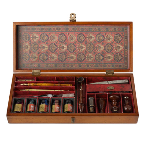 Trianon Letters calligraphy set